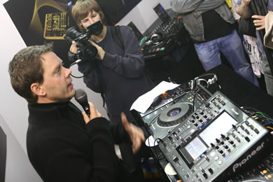 DVJ Kriel at the BPM DJ show reviewed by MC Rebbe The Rapping Rabbi in The Technofile