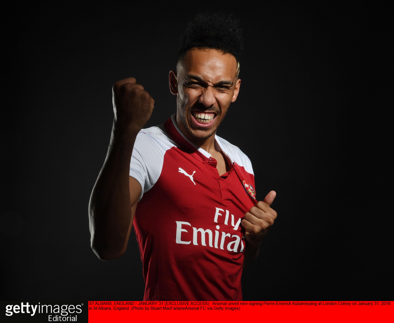 Wallpaper Man Utd Hd Mesut 214 Zil Agrees New 163 350k Deal As Arsenal Land Pierre
