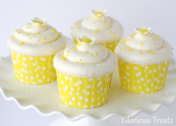 Vanilla Lemon Cupcakes :: Cupcake Monday | The Tomkat Studio Blog
