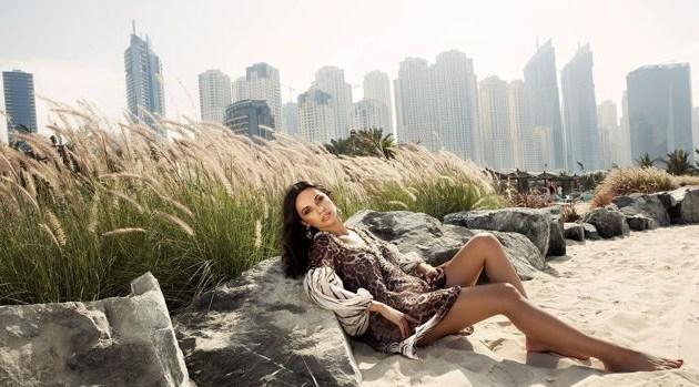 Mirela Popa, o nouă colecție în Dubai. Iată cum a pozat la 30 de grade Celsius! GALERIE FOTO