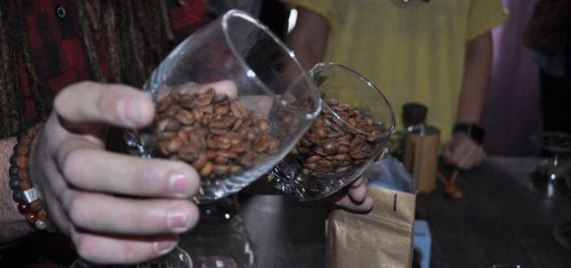 AromaKitchen, Cafea artizanală și Parfumuri naturalereunite ȋntr-o experienţă cu artizani ai simţurilor români