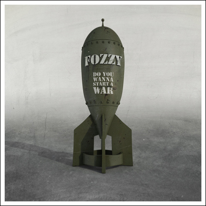 Fozzy_do-you-wanna-start-a-war_album-cover1