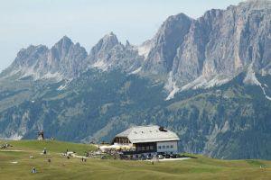 The scenic Rigugio Pralongia and the mountainous backdrop!