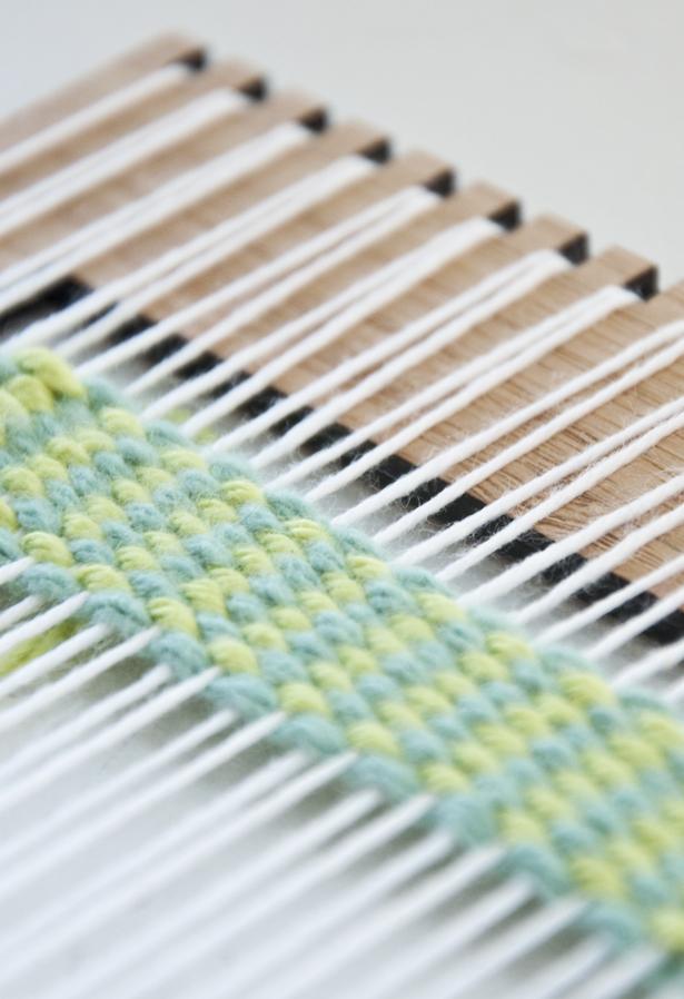 Different basket weaving techniques : Weaving technique vertical strips the loom