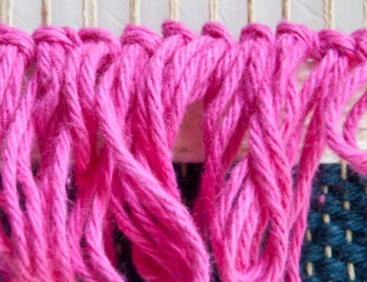 A video on weaving rya loop knots!