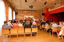 Photo: Julie Broadbent Photography | Venue: The Gladstone Hotel