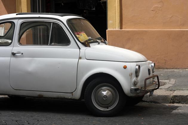 rome-passeggiata-discover-architecture-fiat-500-11