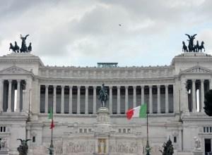 rome-passeggiata-discover-architecture-roman-palazzo-main-04