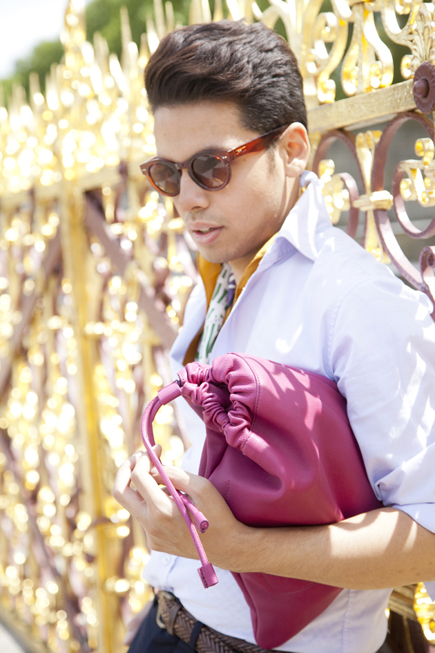 ronan-summers-burberry-prorsum-spring-summer-2014-purple-duffle-bag-sale-close-up