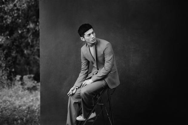 zara-man-autumn-winter-2014-campaign-suit-03