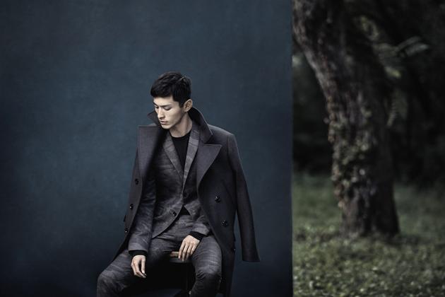 zara-man-autumn-winter-2014-campaign-suit-peacoat-04