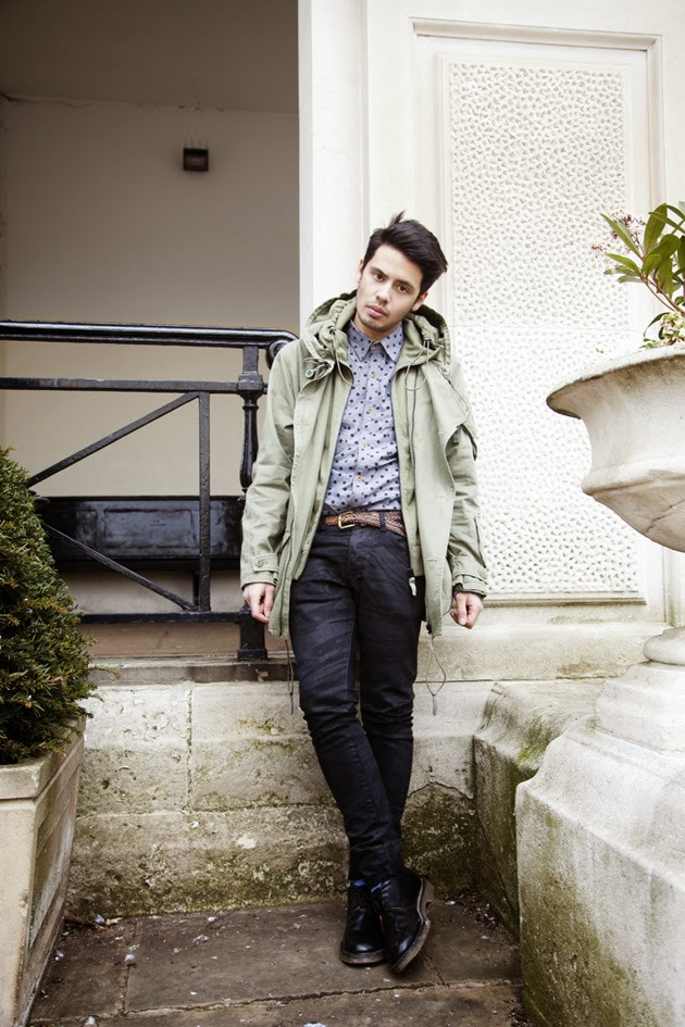 ronan-summers-french-connection-uk-ambassador-casual-spring-summer14-look01