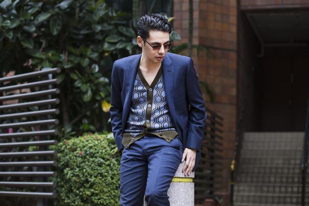 tm-lewin-hawking-suit-hong-kong-ronan-summers-04-s