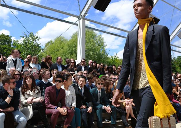 burberry-prorsum-spring-summer-2016-mens-show-runway-09