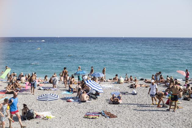 nice-promenade-view-palm-trees-beach