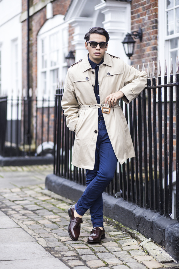 samuel-windsor-aw15-gabardine-trench-ronan-summers-look01-03