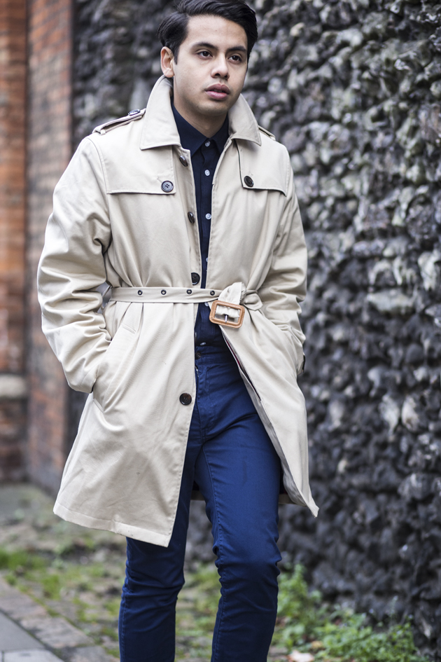 samuel-windsor-aw15-gabardine-trench-ronan-summers-look01-12