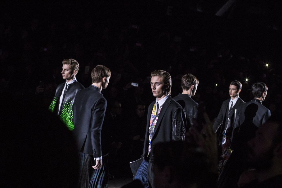dsquared2-autumn-winter-2016-lucky-blue-smith-finale-01