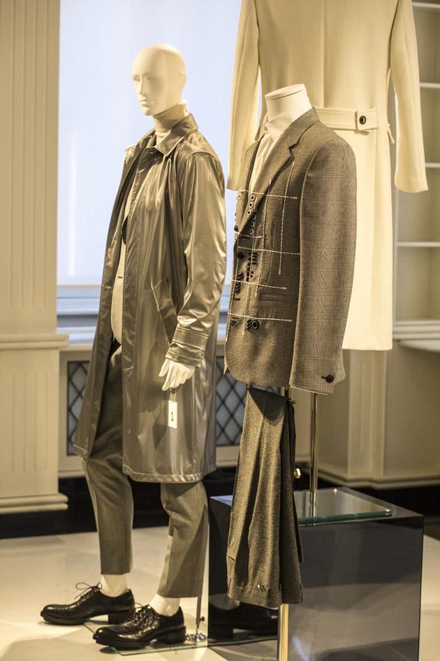 versace-autumn-winter-2016-re-see-looks-suit-08