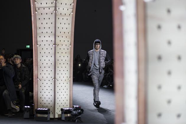 versace-men-autumn-winter-2017-mfw-08
