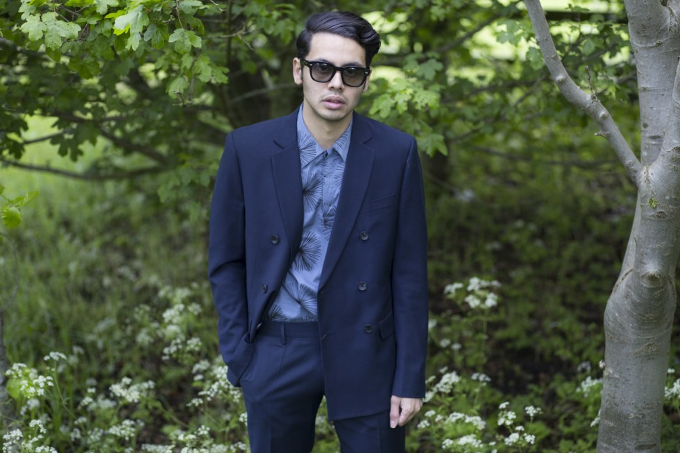Menswear blogger Ronan Summers wears Antony Morato double breasted navy suit from SS17 collection