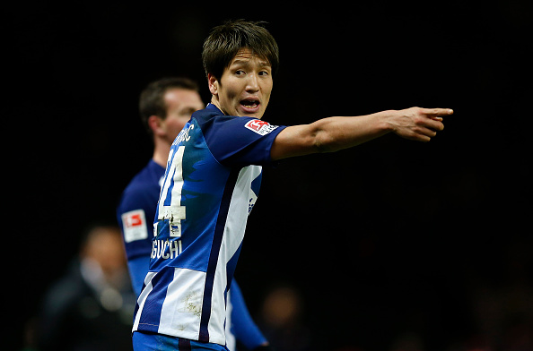 BERLIN, GERMANY - NOVEMBER 27: Genki Haraguchi of Hertha BSC gestures during the Bundesliga match between Hertha BSC and 1. FSV Mainz 05 at Olympiastadion on November 27, 2016 in Berlin, Germany.  (Photo by Boris Streubel/Bongarts/Getty Images)