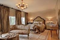25 Stunning Traditional Bedroom Designs