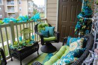15 Amazing Balcony Decor Ideas For Christmas