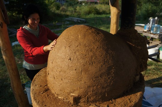 Better Outdoor Pizza Oven: Cob Dome