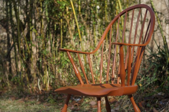 Continuous Arm Windsor Chair 01