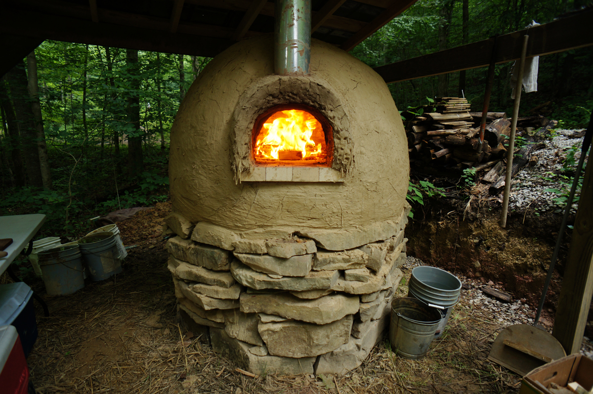 Better outdoor pizza oven building plans the year of mud for How to make a cob oven