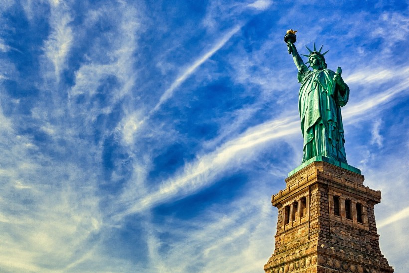 Statue_of_Liberty_usa_2449x1633