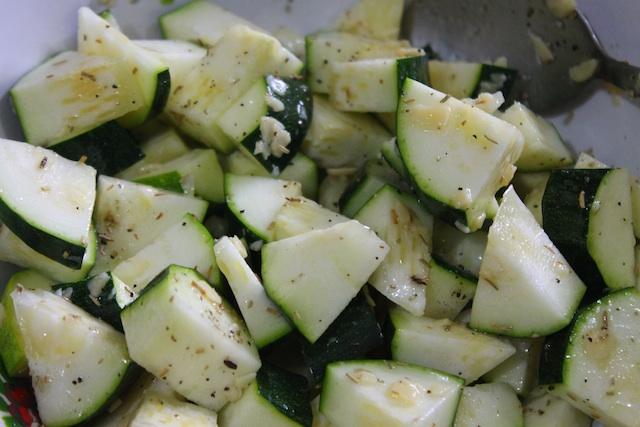 Season zucchini (courgette)