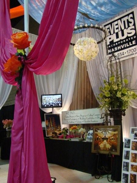 Example of a bridal show booth