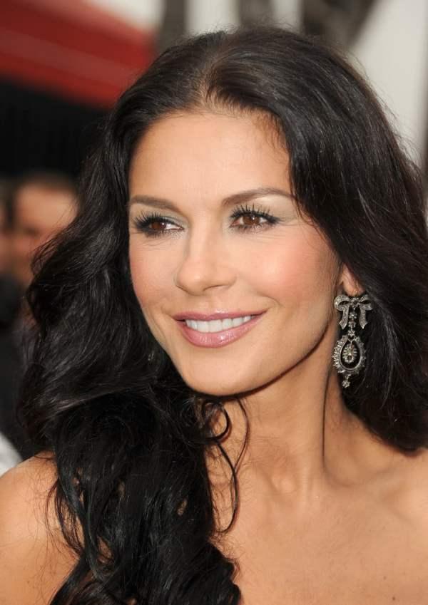 6 celebrities that suffered from depression - Catherine Zeta Jones