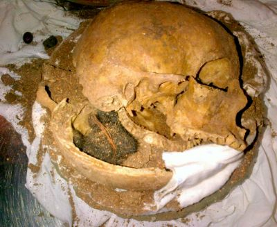 Insane Things Found By Airport Security - Human Skull