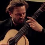 Marcin Dylla (Guitar) Plays Britten