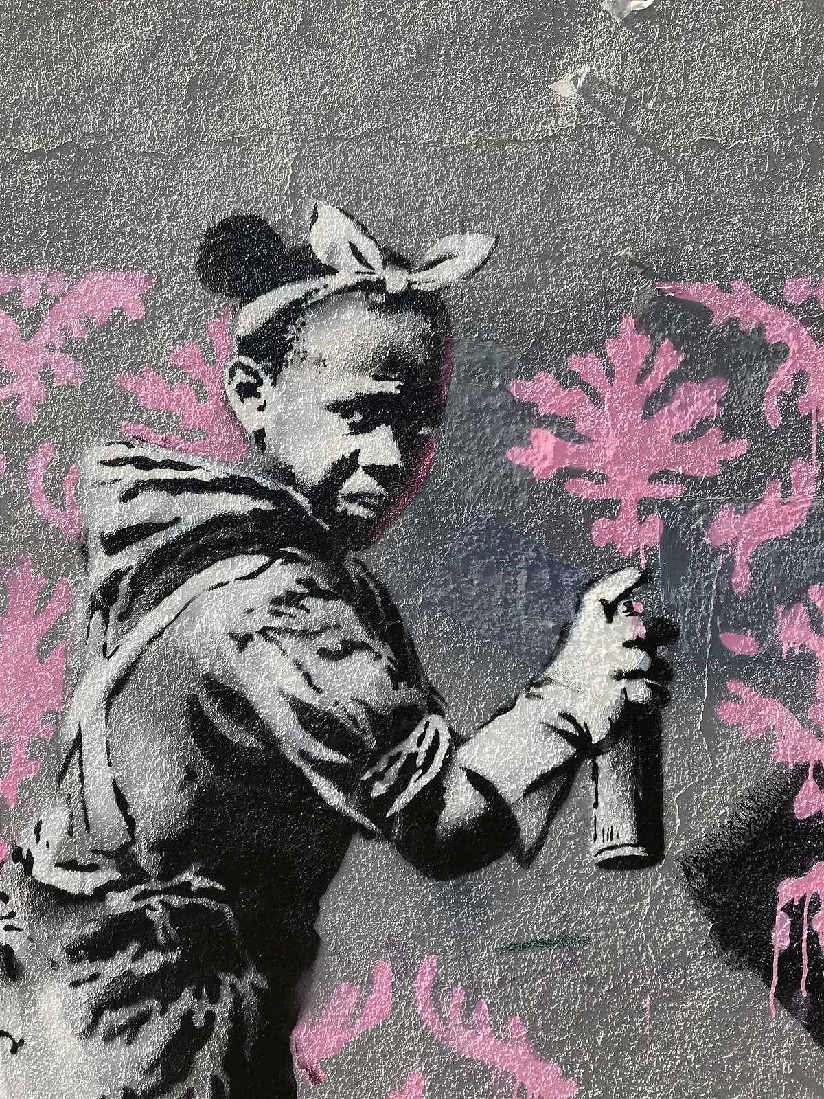 3d Street Art Wallpaper Banksy Hits Paris With Sharp Political Criticism And