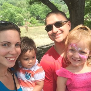 thismomhere and her family at the zoo