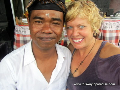Val with Bali Healer-www.thiswaytoparadise.com