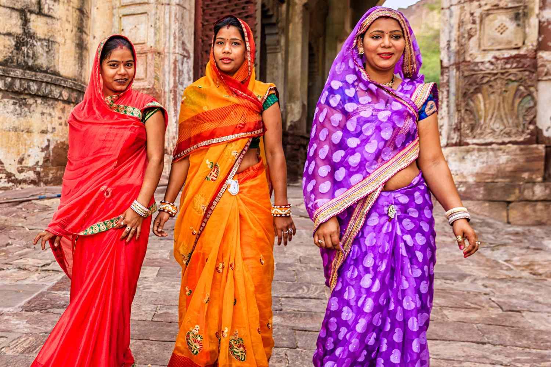 Tutorial On How To Wrap A Sari