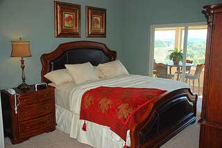 branson-condo-bedroom