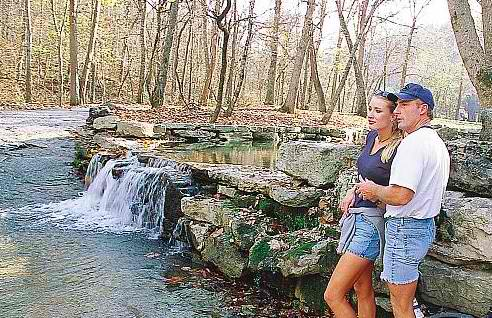 Hiking-Couple-in-Branson
