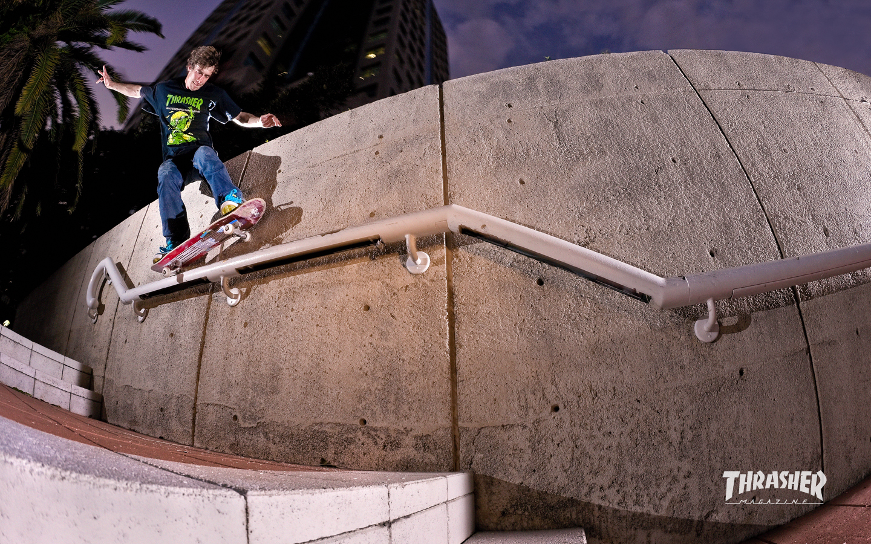 Wallpaper Volcom 3d Thrasher Skateboard Magazine June 2010 Wallpaper