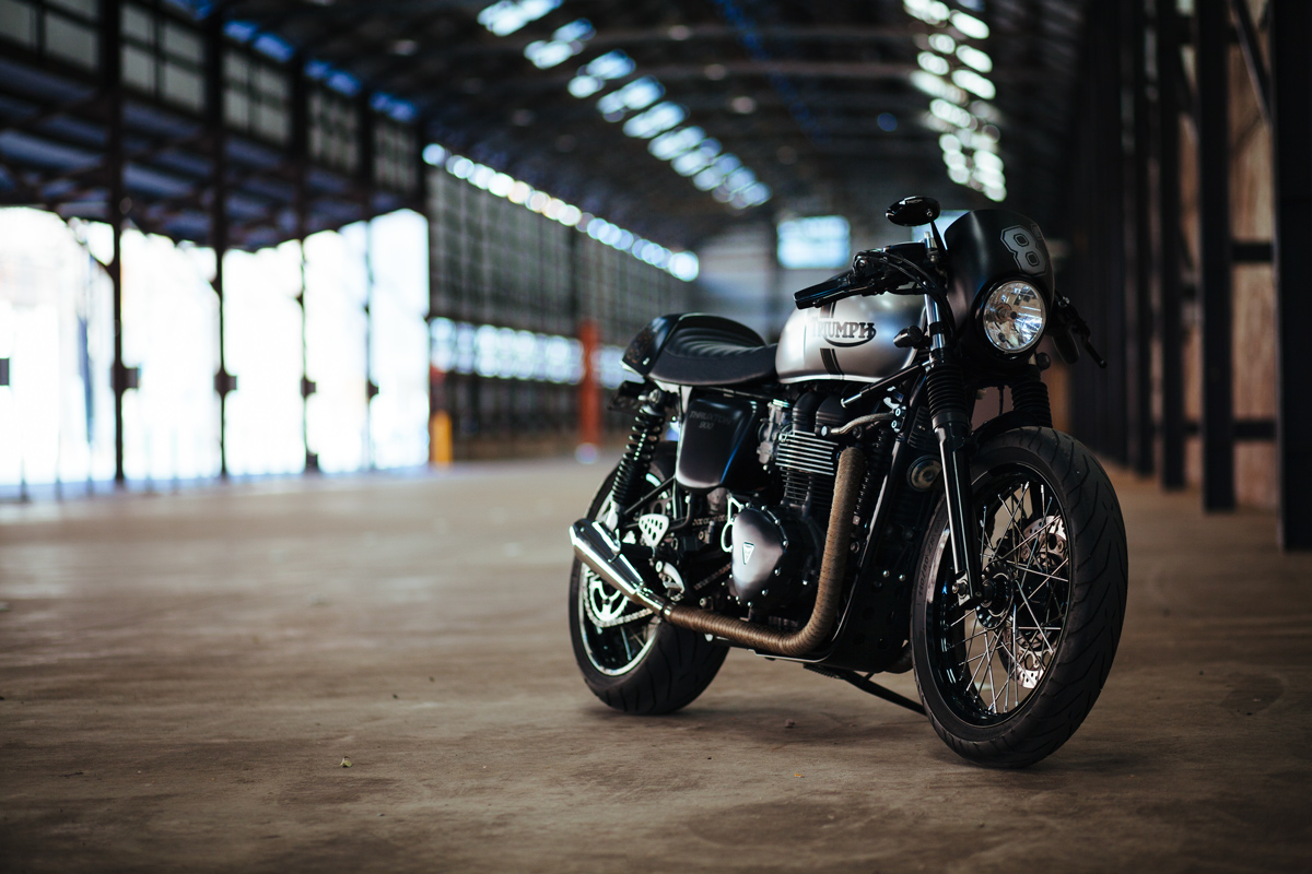 Black Gold Wallpaper Andre S Triumph Thruxton Cafe Racer Throttle Roll