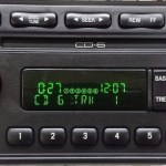 OEM radio:CD