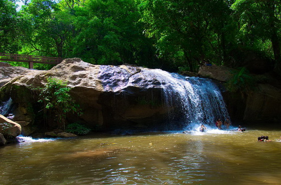Mae Sa Waterfalls Kids