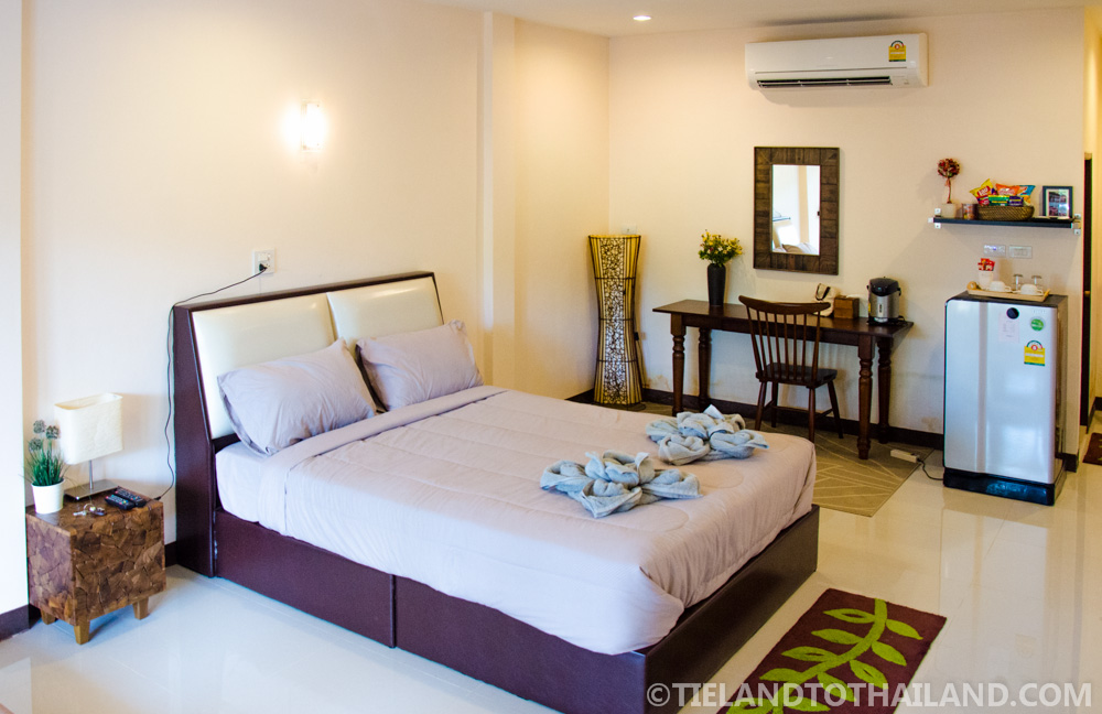 Spacious room at Baan Suan Krua, a homestay in Samut Songkhram