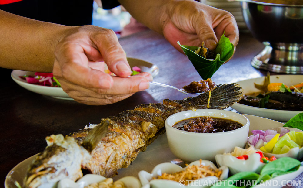 Miang Khum, a Thai finger food enjoyed at Baan Kor Pai in Samut Songkhram