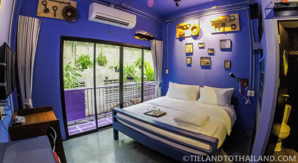 The House of Phraya Jasaen   Cars Room
